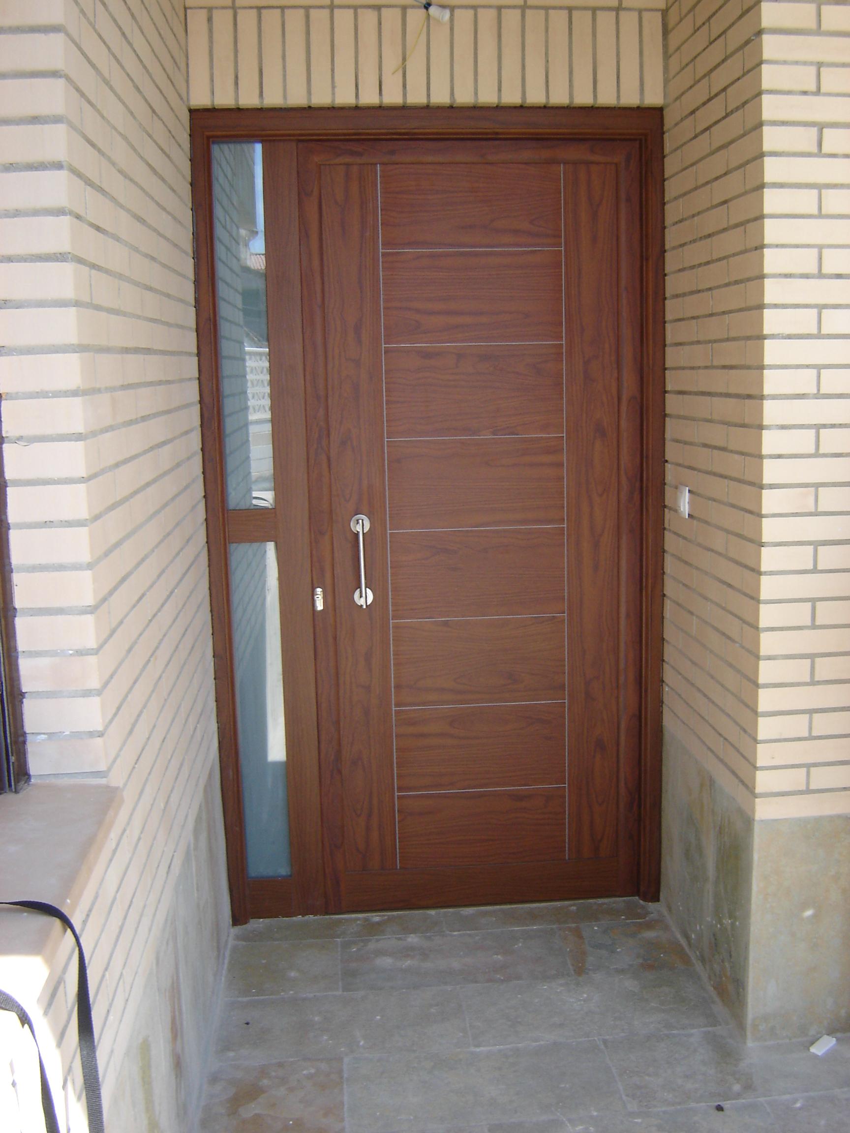 puerta entrada con fijo